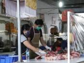 Situasi pasar tradisional di Denpasar saat pemantauan oleh tim Disperindag Bali - foto: Istimewa