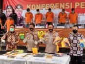 Para pelaku perampokan di tengah pandemi covid-19 di Depok, Jawa Barat, berhasil diburu dan ditangkap - foto: Istimewa
