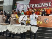 John Kei dan kelompoknya ditangkap Direktorat Reserse Kriminal Umum Polda Metro Jaya atas sejumlah aksi premanisme yang menewaskan satu orang dan melukai 2 korban lainnya, Minggu (21/6/2020) - foto: Istimewa