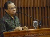 Gubernur Bali Wayan Koster saat menghadiri pelantikan pengurus PWI Provinsi Bali dan IKWI periode 2019-2024 di Gedung Wiswa Sabha Utama, Kantor Gubernur Bali, Jumat, 24 Juli 2020 - foto: Istimewa