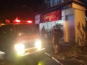 Suasana kebakaran di warung sembako diwilayah Banjar Telabah, Sukawati Gianyar, Rabu (1/7/2020) - foto: Catur/Koranjuri.com