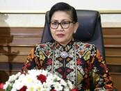 Ketua Dekranasda Provinsi Bali Putri Suastini Koster saat mengikuti Web seminar (Webinar) yang diinisiasi oleh Dewan Kerajinan Nasional, Sabtu, 4 Juli 2020 - foto: Istimewa