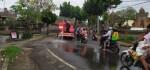 Solar Tumpah di Jalan, Belasan Pengendara Motor Berjatuhan