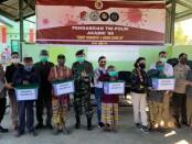 Altar AKABRI 89 membagikan sembako sebanyak 850 paket kepasa masyarakat di Perbatasan NTT - Republik Demokratik Timor Leste (RDTL) di Desa Eban dan Desa Kifu - foto: Istimewa