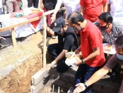 Gubernur Bali Wayan Koster melakukan peletakan batu pertama pembangunan SMA Negeri 1 Abang di Desa Tista, Kecamatan Abang, Karangasem, Sabtu, Sabtu, 8 Agustus 2020 - foto: Istimewa