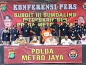 Subdit III Sumdaling Polda Metro Jaya membongkar praktek kedokteran Abal-abal Antoni Dental Care di Kota Bekasi - foto: Bob/Koranjuri.com
