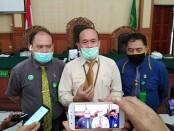 Ketua PN Denpasar Dr. Sobandi, SH., MH., memberikan keterangan pers terkait lomba karya jurnalistik dengan mengangkat tema 'PN Denpasar sebagai Jendela Peradilan Indonesia di Mata Dunia', Rabu, 12 Agustus 2020 - foto: Koranjuri.com