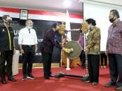 Wagub Cok Ace menghadiri peluncuran 'Excellent Business Class' yang dirangkai dengan peluncuran dan bedah buku karya Prof. DR. I Nengah Dasi Astawa, SE, M.Si di Aula Kampus ITB-STIKOM Bali, Rabu (12/8/2020) - foto: Istimewa