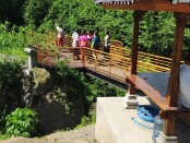 Jembatan Oranye di area joging trek Jalan Usaha Tani Banjar Gelumpang, Desa/Kecamatan Sukawati - foto: Catur/Koranjuri.com