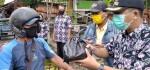 Kelurahan Purworejo Beri Hadiah Sembako untuk Warga Bermasker