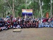 Pelaksanaan LDK (Latihan Dasar Kepemimpinan) yang diikuti 138 siswa SMK Kesehatan Purworejo, Senin (12/10/2020) di lokasi outbound Jurang Mulyo, Desa Wonoroto, Kecamatan Purworejo - foto: Sujono/Koranjuri.com