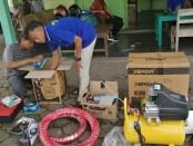 Bantuan alat dan spare part untuk rintisan usaha, yang dikelola kelompok peserta program PKW (Pendidikan Kecakapan Wirausaha) - foto: Sujono/Koranjuri.com