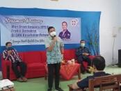 Bramantyo Suwondo M, MIR, atau yang akrab disapa Mas Bram, anggota Komisi X DPR RI dari Partai Demokrat, saat mengunjungi SMK Kesehatan Purworejo, Jum'at (23/10/2020) siang - foto: Sujono/Koranjuri.com