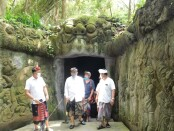 Wagub Bali Tjokorda Oka Artha Ardhana Sukawati menghadiri seremonial pembukaan kembali obyek wisata Monkey Forest, Kamis, 5 November 2020 - foto: Istimewa