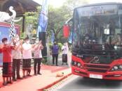Gubernur Bali Wayan Koster meluncurkan ujicoba layanan angkutan pada Kawasan Strategis Pariwisata  Nasional (KSPN) dan ujicoba angkutan shuttle bus listrik, Jumat, 6 November 2020 - foto: Istimewa