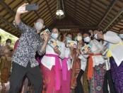 Menteri Pendidikan dan Kebudayaan (Mendikbud) Nadiem Anwar Makarim kembali melakukan kunjungan kerja ke Kabupaten Gianyar, Provinsi Bali, Senin (09/11/2020) - foto: Istimewa