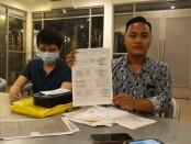 Kuasa Hukum Rozi Maulana, SH., bersama kliennya Andre Agustinus Suwaji - foto: Istimewa
