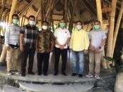 Direktorat Intelijen Keamanan (Ditintelkam) Polda Bali dengan Elemen Serikat Pekerja Wilayah Bali silahturahmi untuk menciptakan situasi yang kondusif pasca ditetapkannya UMP 2021 dan UMK 2021 di Pulau Dewata Bali - foto: Istimewa