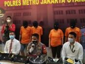 Polres Metro Jakarta Utara meringkus kawanan pencurian barang berharga dengan modus pecah kaca mobil, Minggu (29/11/2020) - foto: Istimewa