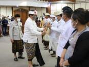 Penyerahan penghargaan Pelayanan Publik Berbasis HAM kepada 9 Kabupaten/Kota di Bali. Penghargaan diserahkan oleh Wakil Gubernur Bali Tjokorda Oka Artha Ardhana Sukawati, Senin, 14 Desember 2020 - foto: Istimewa