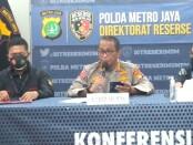 Kabid Humas Polda Metro Jaya Kombes Pol Yusri Yunus menggelar keterangan pers terkait penetapan tersangka Habieb Rizieq Shihab (HRS) dalam kasus pelanggaran protokol kesehatan - foto: Istimewa