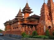 Gereja Katholik Roh Kudus Katedral Denpasar/Wikipedia