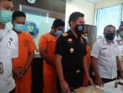 Badan Narkotika Nasional (BNN) Provinsi Bali menangkap seorang perempuan pedagang kue yang diketahui mengedarkan narkoba jenis MDMA dan pil PCC - foto: Istimewa