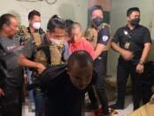 Satuan Reserse Kriminal Unit Krimum Jatanras Polres Metro Jakarta Barat meringkus dua orang pelaku begal HP di Kresek, Tangerang Kabupaten, Banten pada Rabu (27/1/2021) malam - foto: Istimewa