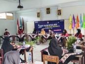 Proses debat calon ketua OSIS SMK Batik Purworejo, Senin (18/01/2021) - foto: Sujono/Koranjuri.com