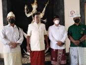 Ketua Yayasan Dwijendra Dr Ketut Wirawan SH, M.Hum., bersama Ketua pembina yayasan Dwijendra Ida Bagus Erwin Ranawijaya beserta jajaran - foto: Koranjuri.com