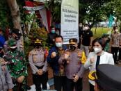 Kapolda Metro Jaya Inspektur Jenderal Polisi Fadil Imran meninjau Kampung Tangguh Jaya RW 08 Kelurahan Pondok Kacang, Kecamatan Pondok Aren, Tangerang Selatan, Jumat (26/2/2021) - foto: Istimewa