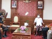 Gubernur Bali Wayan Koster menerima audiensi Dewan Pengurus Pusat (DPP) Perguruan Pencak Silat (PPS) Kertha Wisesa di Ruang Tamu Gubernur, Kantor Gubernur Bali, Denpasar, Selasa (2/2/2021) - foto: Istimewa