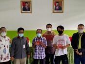 5.022 Keluarga Penerima Manfaat (KPM) di Kepulauan Seribu mendapatkan BST DARI Bank DKI - foto: Istimewa