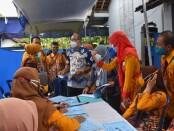 Tim Verifikasi Lapangan Evaluasi Lomba Kampung KB Tingkat Propinsi Jateng tahun 2021, saat melakukan penilaian di Kampung KB Kencana Sari, Desa Candisari, Banyuurip, Purworejo, Selasa (09/03/2021) - foto: Sujono/Koranjuri.com