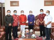Gubernur Bali Wayan Koster saat menerima audensi Kesatuan Pelaut  Indonesia (KPI) Bali di Rumah Jabatan Gubernur Bali, Jayasabha, Denpasar, Senin  (15/3/2021) - foto: Istimewa