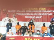 AKBP Pujiarto (kiri) - Subdit 5 Renakta Ditkrimum Polda Metro Jaya menangkap pelaku prostitusi yang melibatkan anak dibawah umur - foto: Bob/Koranjuri.com