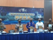 Direktorat Polisi Perairan dan Udara, Korps Polairud, Baharkam Polri mengungkap kasus dugaan pencurian bahan bakar minyak (BBM) jenis solar sebanyak 21.517 liter milik PT Pertamina di perairan Tuban, Jawa Timur - foto: Istimewa