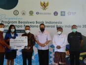 Penyerahan program beasiswa Bank Indonesia dan Jumpa Perdana Generasi Baru Indonesia (GenBI) 2021, digelar secara hibrid di Hyatt Regency Sanur, Rabu, 24 Maret 2021 - foto:Istimewa