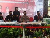 Direktorat tidak pidana narkoba Bareskrim bersama Ditjen Bea Cukai melakukan operasi gabungan bersandi 'Dewa Ruci 2021' - foto: Istimewa