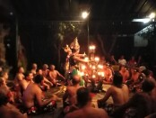 Pertunjukan Tari Kecak di Ubud sebelum pandemi covid-19 melanda tanah air - foto: Koranjuri.com