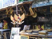 Pedagang di areal Taman Sriwedari, Solo menunggu nasib pasca MA memenangkan ahli waris dalam sengketa dengan Pemprov Surakarta - foto: Koranjuri.com