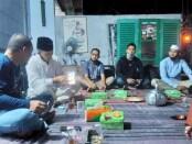 Acara buka bersama PWI Purworejo di kediaman Joe Hartoyo, di Perum Duta Pangen Indah Purworejo, Jum'at (23/04/2021) - foto: Sujono/Koranjuri.com