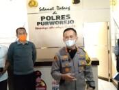 Kapolres Purworejo AKBP Rizal Marito, saat memberikan penjelasan dalam konferensi pers, Sabtu (24/04/2021) sore - foto: Sujono/Koranjuri.com
