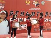 Penyerahan dana Tali Asih KONI Bali untuk atlet dan pelatih Pelatda Bali PON XX Papua 2021 - foto: Yan Daulaka