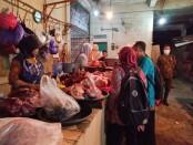 Antisipasi peredaran daging tak layak konsumsi menjelang lebaran, DPPKP Kabupaten Purworejo lakukan monitoring, Selasa (11/05/2021) - foto: Sujono/Koranjuri.com