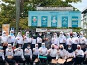 29 alumni SMKN 7 Purworejo yang diterima bekerja di PT Ungaran Sari Garment - foto: Sujono/Koranjuri.com