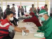 Pelaksanaan vaksinasi massal di Pendopo Wakil Bupati di Kutarjo, Sabtu (26/06/2021), dalam rangka memperingati Hari Bhayangkara ke 75 - foto: Sujono/Koranjuri.com
