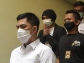 Musisi EAP als Anji menjalani pemeriksaan kesehatan di Urkes Polres Metro Jakarta Barat, Senin (14/6/2021) - foto: Istimewa