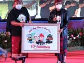 Gubernur Bali Wayan Koster bersama Bupati Jembrana Nengah Tamba - foto: Istimewa