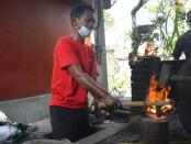 Dinas Perindustrian dan Perdagangan (Disperindag) Provinsi Bali mengadakan  Bimtek Diversifikasi Produk Pande Besi di Banjar Sidan Kelod, Desa Sidan, Gianyar, Rabu (16/6/2021) - foto: Istimewa